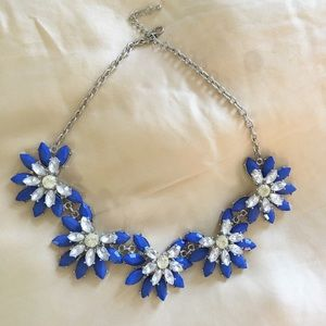 Lovely blue statement necklace 💋💋